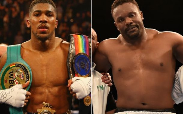 Anthony Joshua Enters Boxing Ring Toe-to-toe With Dereck Chisora