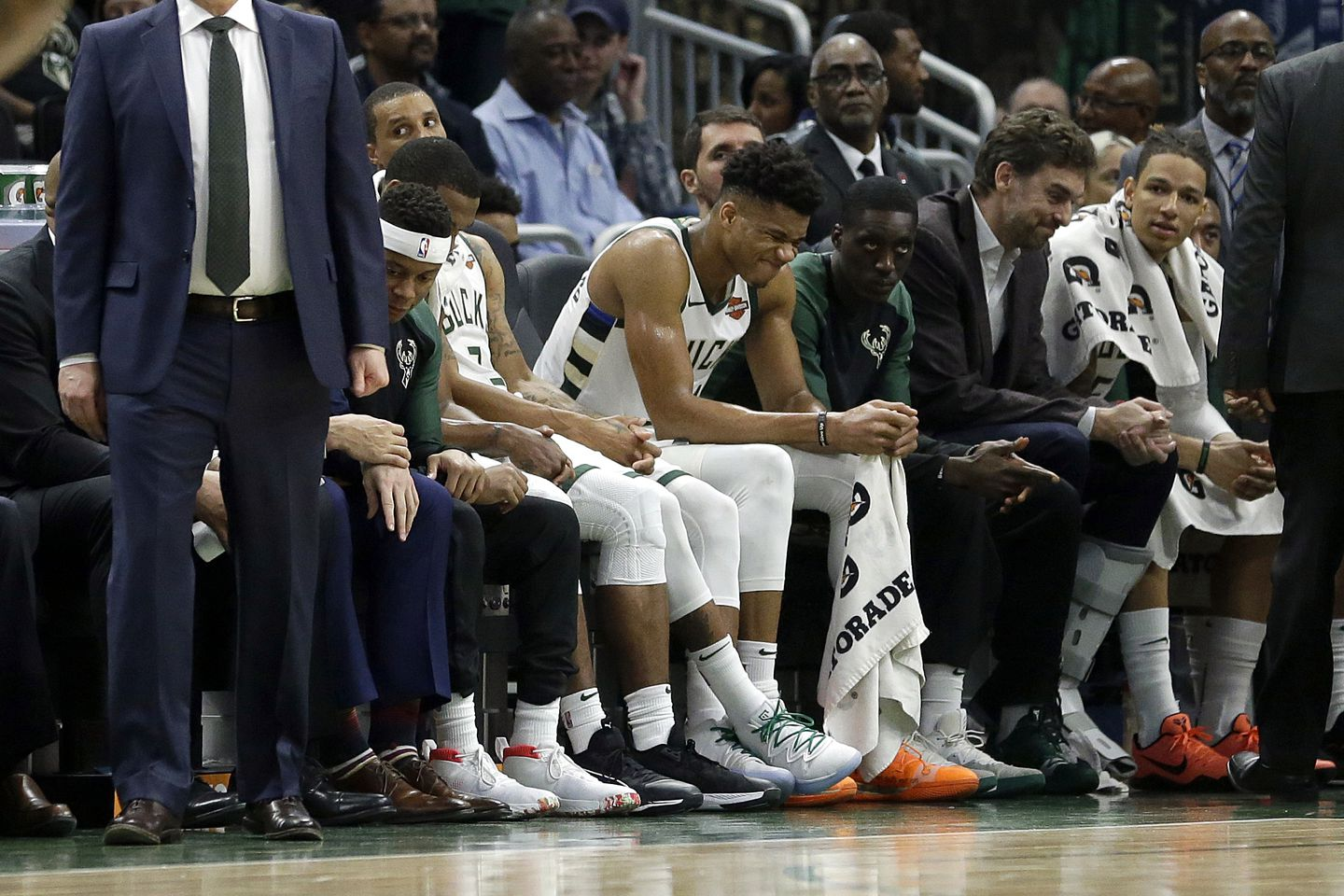 Antetokounmpo Knocked Out Of NBA Action By Injury, But Bucks Still Win