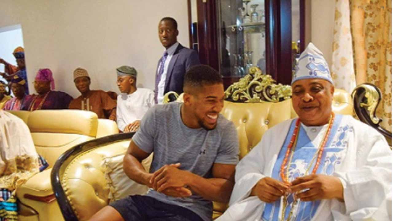 Anthony Joshua Enacts Another Proof Of His Deep Loyalty, Love For Nigeria